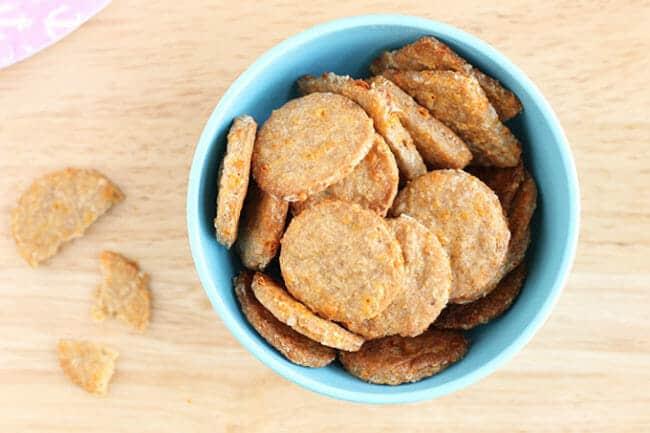 Easy Cheese Crackers Recipe (Whole Grain, Low Salt)