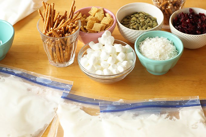 toppings-for-graham-cracker-houses