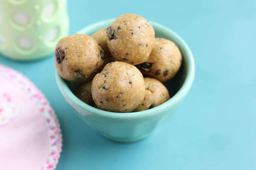 peanut butter oatmeal energy bites in blue bowl