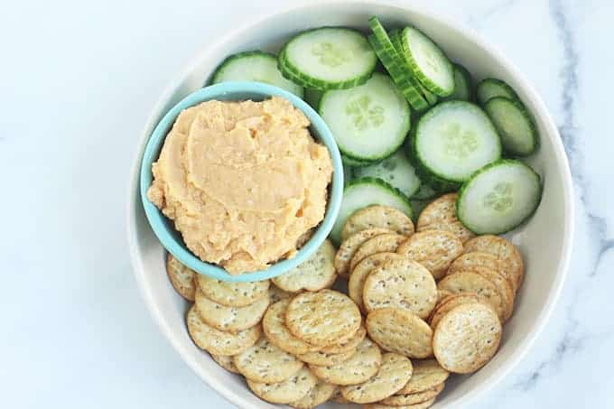 sweet-potato-dip-on-plate-with-crackers