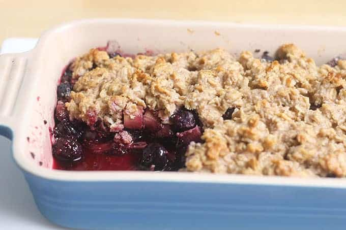 bluebery-crisp-in-baking-dish