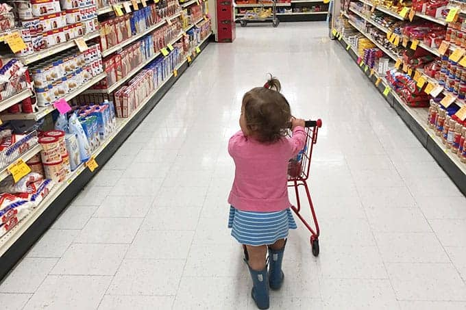 toddler in grocery store