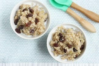 Cinnamon Apple Oatmeal with Raisins