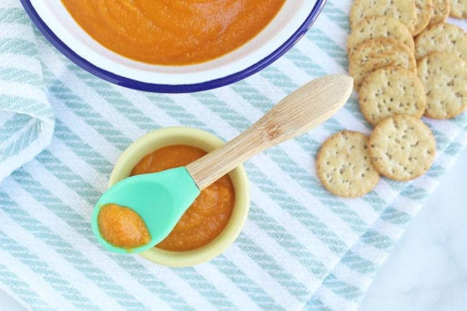 vegan-tomato-soup-on-baby-spoon