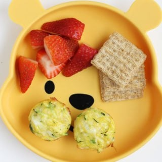 zucchini egg cups with berries and crackers