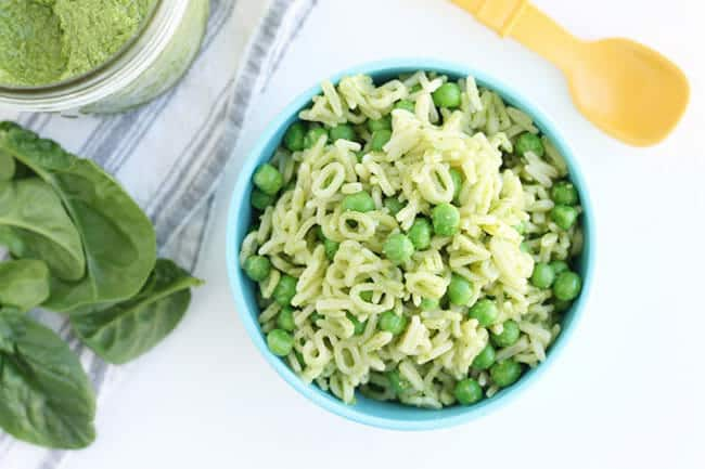 Quick Spinach Pesto with Pasta and Peas