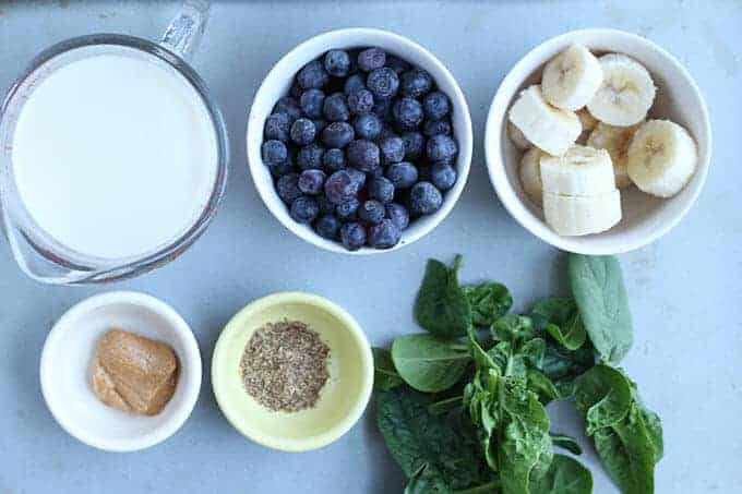 How to make a blueberry banana smoothie step by step