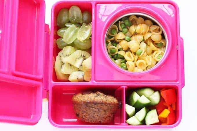 ombie box packed lunch with mac and cheese