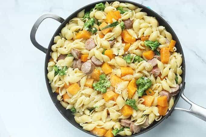 butternut-squash-pasta-in-skillet