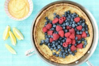 Quick Dutch Baby Pancake Recipe with Berries