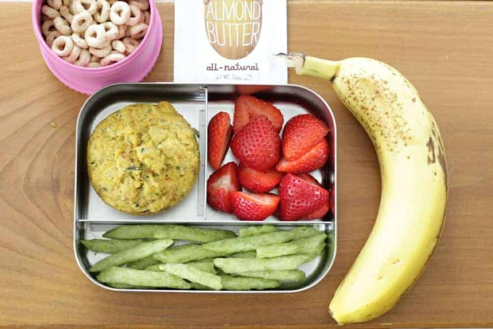 Yummy Toddler Lunch: Zucchini Muffin, Berries, and More