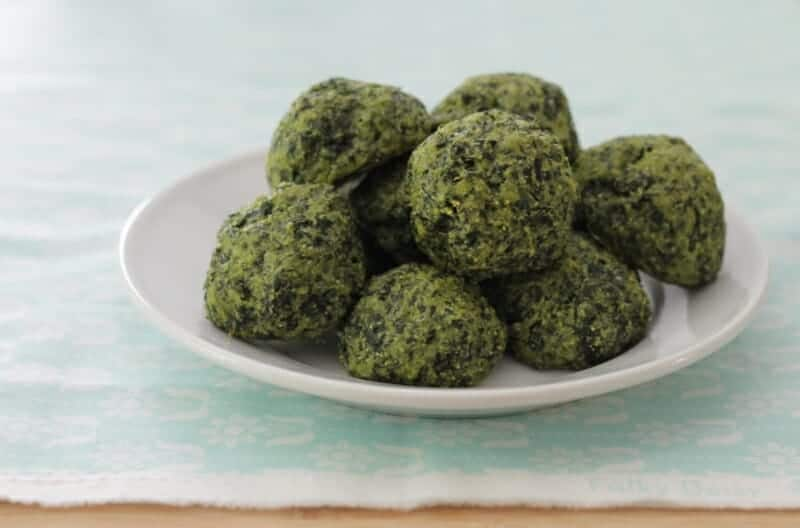 How to eat kale with cheesy kale bites