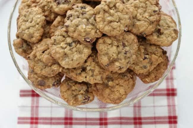 Healthy (ish!) Chocolate Chip Oatmeal Cookies