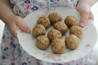 Nut-Free Energy Bites with Graham Crackers
