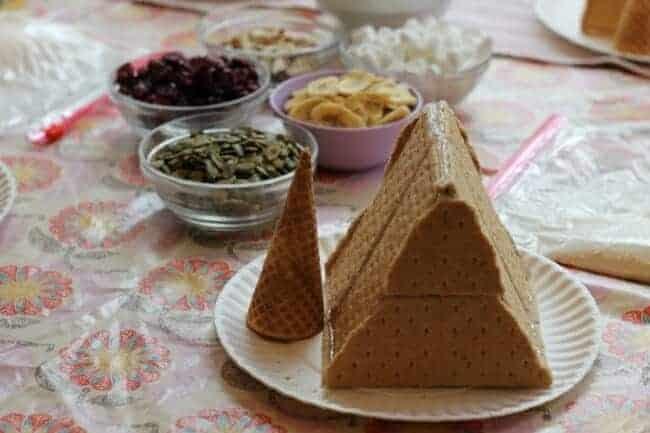 how to make graham cracker houses