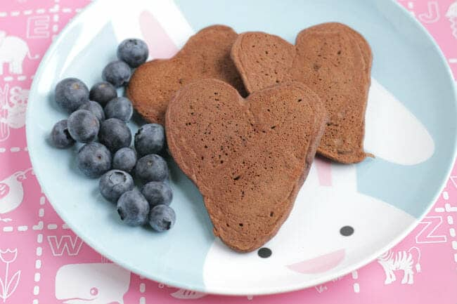 Healthy chocolate pancakes