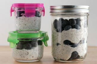 Overnight Oats with Yogurt and Berries