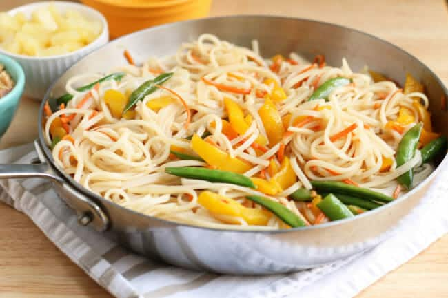 20-Minute Stir Fry Rice Noodles with Veggies