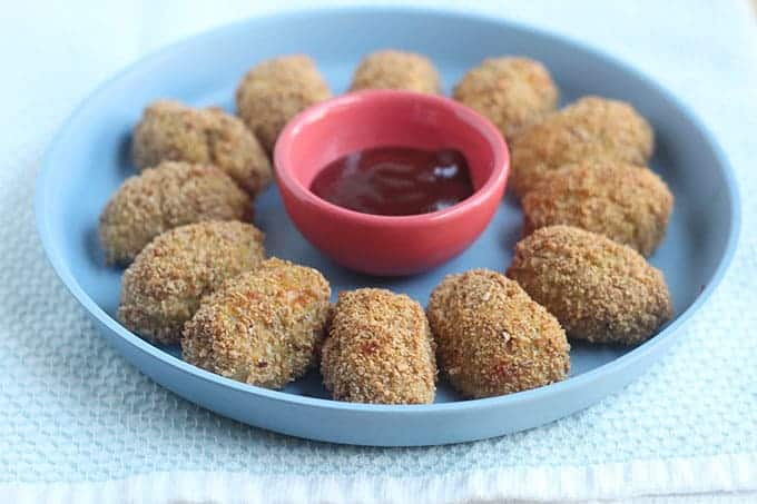 veggie-nuggets-on-blue-plate