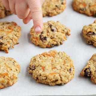 healthy-oatmeal-cookies-with-carrots-and-apples
