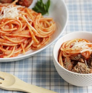 healthy meatballs in large bowl and small kids bowl