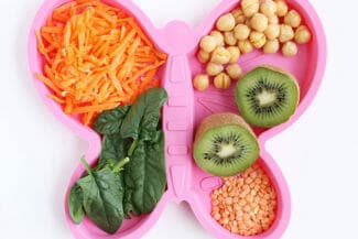 10 Simple Ways to Help Your Toddlers Try New Foods