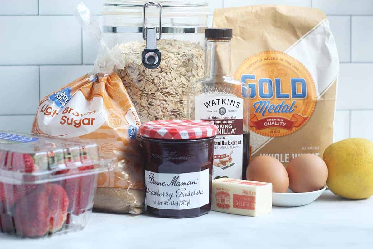 ingredients-in-strawberry-oatmeal-bars