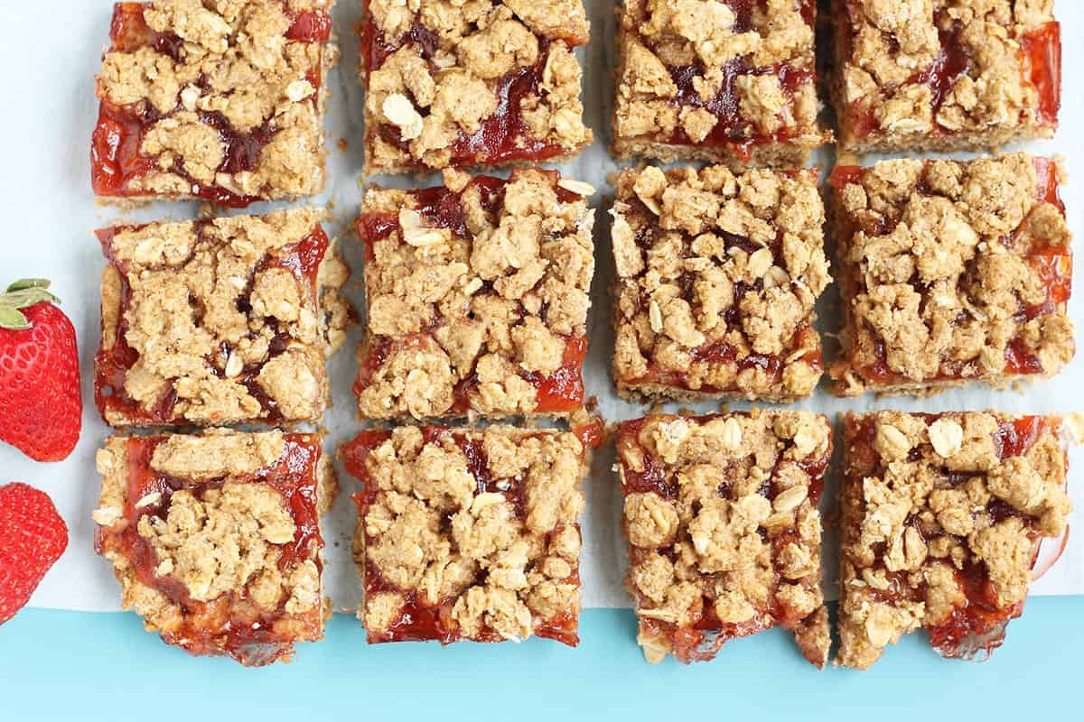 strawberry-oatmeal-bars-on-parchment