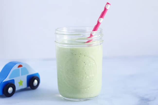 green-smoothie-in-glass