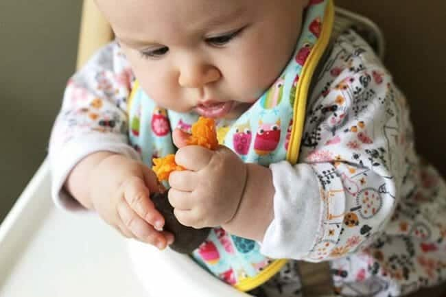 Starting Solids: How to Know When to Start (Podcast Ep #14)
