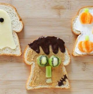 halloween breakfast toasts