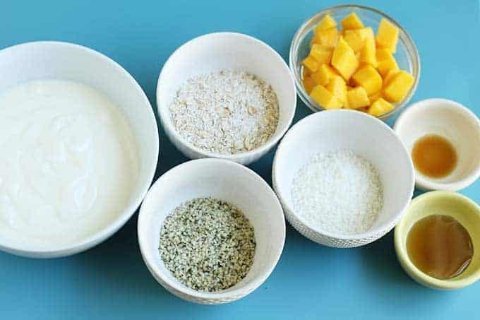 ingredients in mango overnight oats
