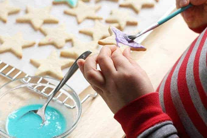 icing cookies with kids