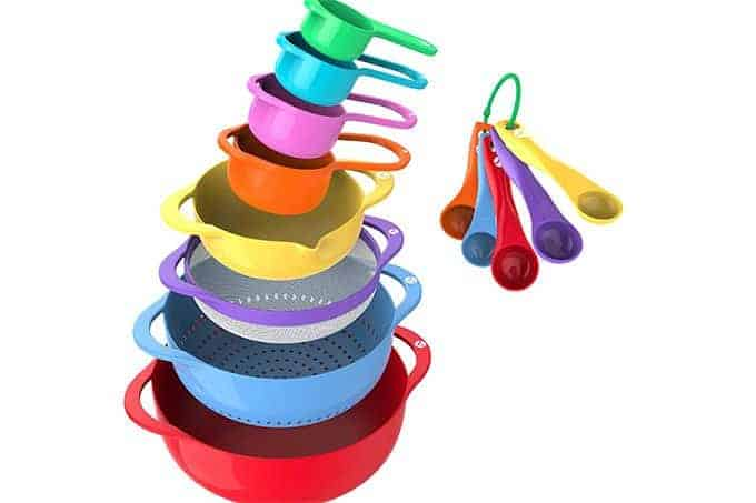 kids-cooking-set-with-spoons-and-cups