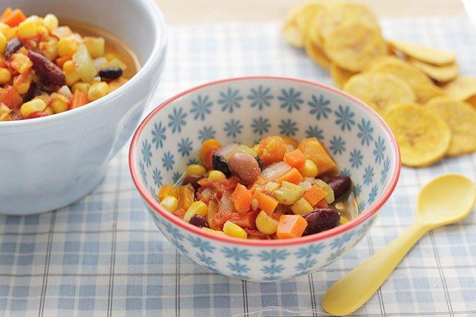 veggie bean chili in small bowls