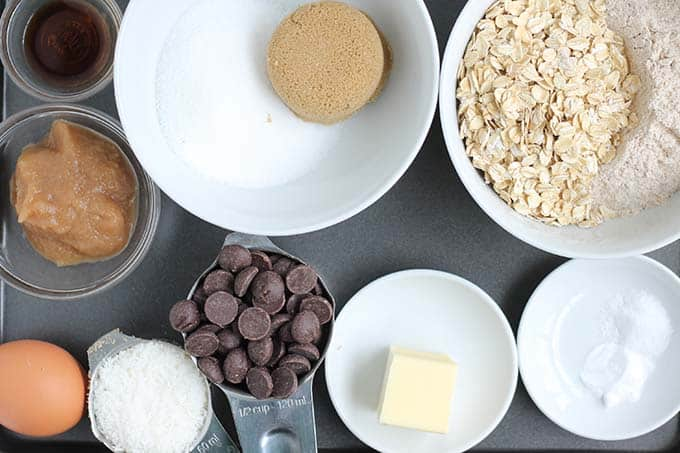 ingredients in healthy chocolate chip oatmeal cookie cake