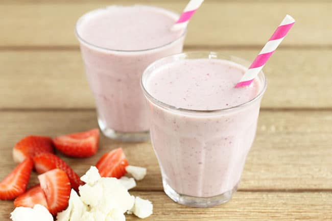 strawberry banana smoothie with cauliflower in glasses