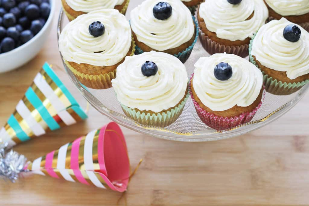 healthy-banana-cupcakes-on-cake-stand