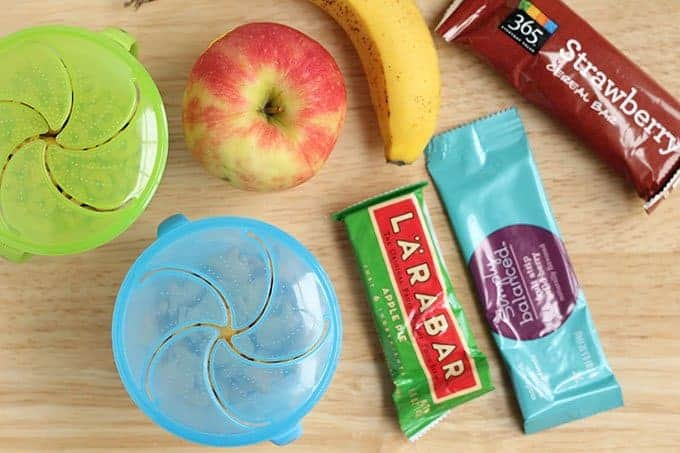 snacks for kids for traveling with apples and bananas