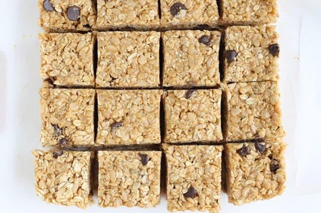 no bake granola bars sliced