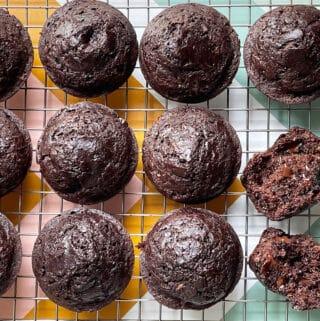chocolate-chip-zucchini-muffins-on-rack