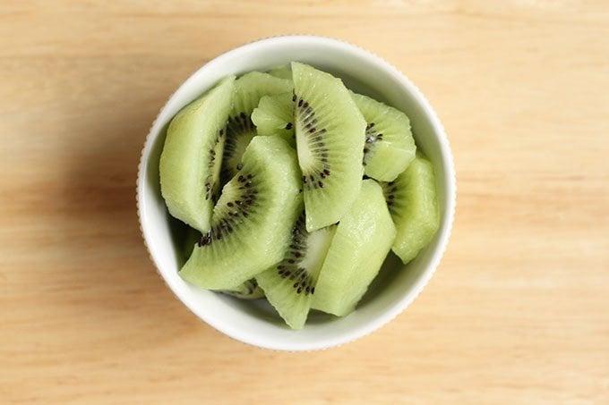 kiwi slices in bowl