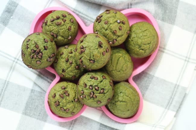 spinach-muffins-on-pink-plate
