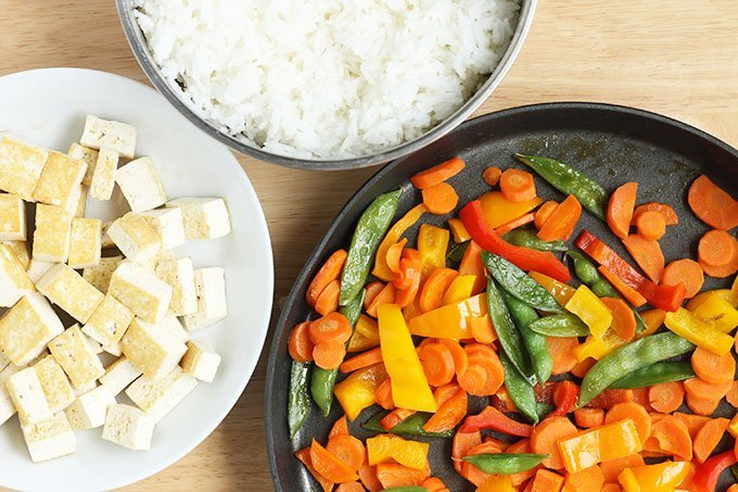 family-style-tofu-and-rice-dinner_web
