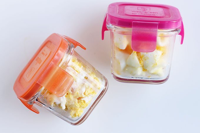 leftover-eggs-in-small-storage-containers