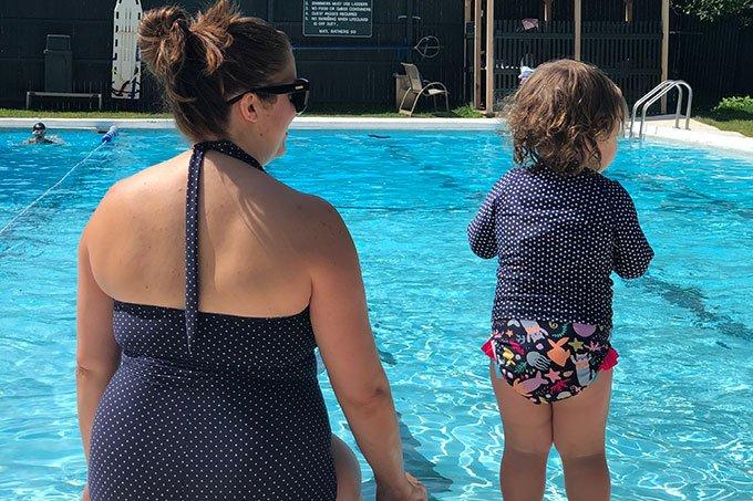 mom-and-baby-at-pool