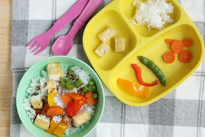 stir fry for kids on yellow plate and green bowl