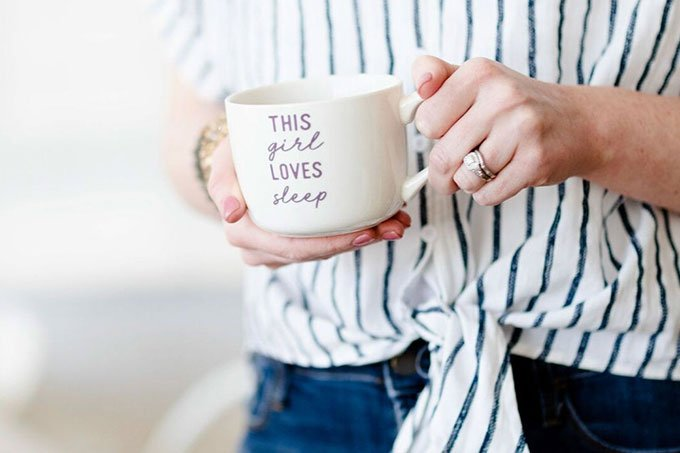 becca-campbell-with-coffee-mug