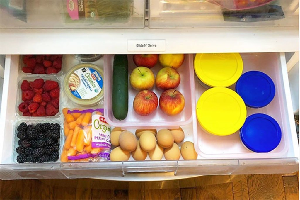 snack-drawer-for-kids in fridge