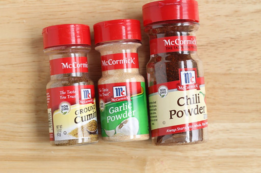 spices in shrimp fajitas